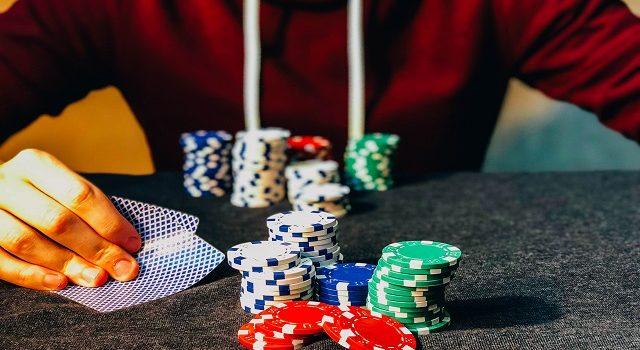 カジノで自分を振る舞う方法